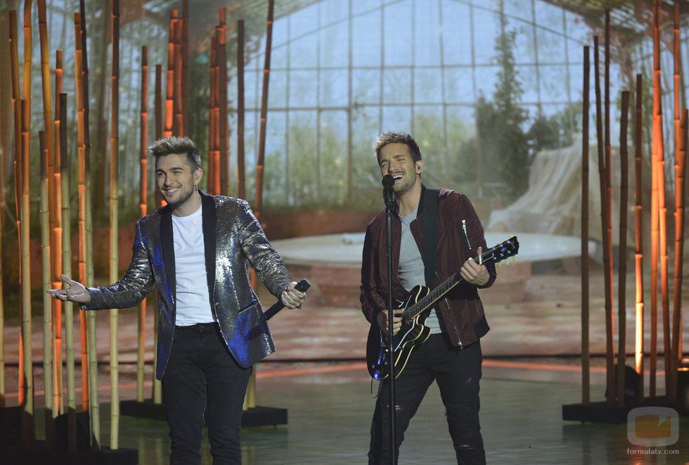 Samuel Cuenda y Pablo Alborán en la final de 'La Voz 5'