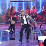 Samuel Cuenda y las bailarinas actuando en la final de 'La Voz 5'