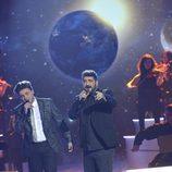 Antonio Orozco y Gabriele actuando en la final de 'La Voz 5'