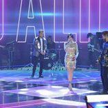 Los cuatro finalistas de 'La Voz 5' cantando juntos en la final