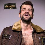 Ricky, semidesnudo y sensual, posa sin camiseta, para Shangay