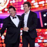 Agustín Jiménez y Manel Fuentes en el Concierto de Año Nuevo de 'Tu cara me suena'