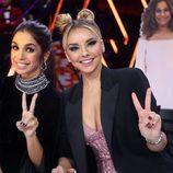 Elena Furiase y Chenoa posan juntas durante el Concierto de Año Nuevo en 'Tu cara me suena'