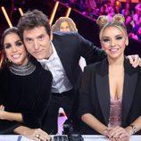 Elena Furiase, Chenoa y Manel Fuentes posan durante el Concierto de Año Nuevo de 'Tu cara me suena'