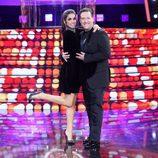 Elena Furiase y Carlos Latre posan juntos sobre el escenario de 'Tu cara me suena' durante el Concierto de Año Nuevo