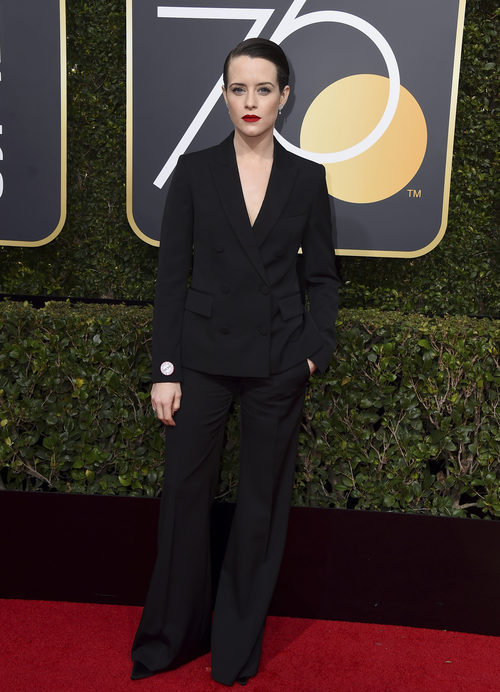 Claire Foy posa en la alfombra roja de los Globos de Oro 2018