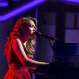 "Amaia interpreta ""Soñar contigo"" en la gala 10 de 'OT 2017'"