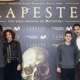 Pablo Molinero, Patricia López Arnaiz, Sergio Castellanos y Paco León en la presentación de 'La peste'