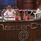 Las dos finalistas preparan su último plato en 'MasterChef Junior 5'