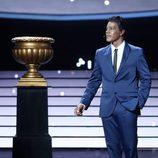 """Miquel Fernández interpreta a Nat King Cole y su """"When I fall in love"""" en la gala 13 de 'Tu cara me suena"""