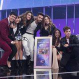 Los concursantes posan con el Disco de Oro en la Gala 11 de 'OT 2017'