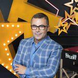 Jorge Javier Vázquez posa en el decorado de 'Got Talent España'