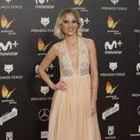 Ana Fernández posa en la alfombra roja de los Premios Feroz 2018