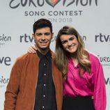 Alfred y Amaia posan en el photocall de RTVE como representantes de España en Eurovisión 2018