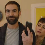 Jon Plazaola y María León en la cuarta temporada de 'Allí abajo'