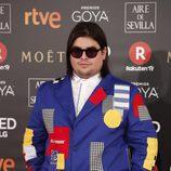 Brays Efe posa en la alfombra roja de los Premios Goya 2018