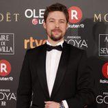 Jan Cornet posa en la alfombra roja de los Premios Goya 2018