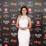 Aida Folch posa en la alfombra roja de los Premios Goya 2018