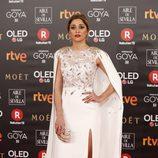 Mariam Hernández posa en la alfombra roja de los Premios Goya 2018