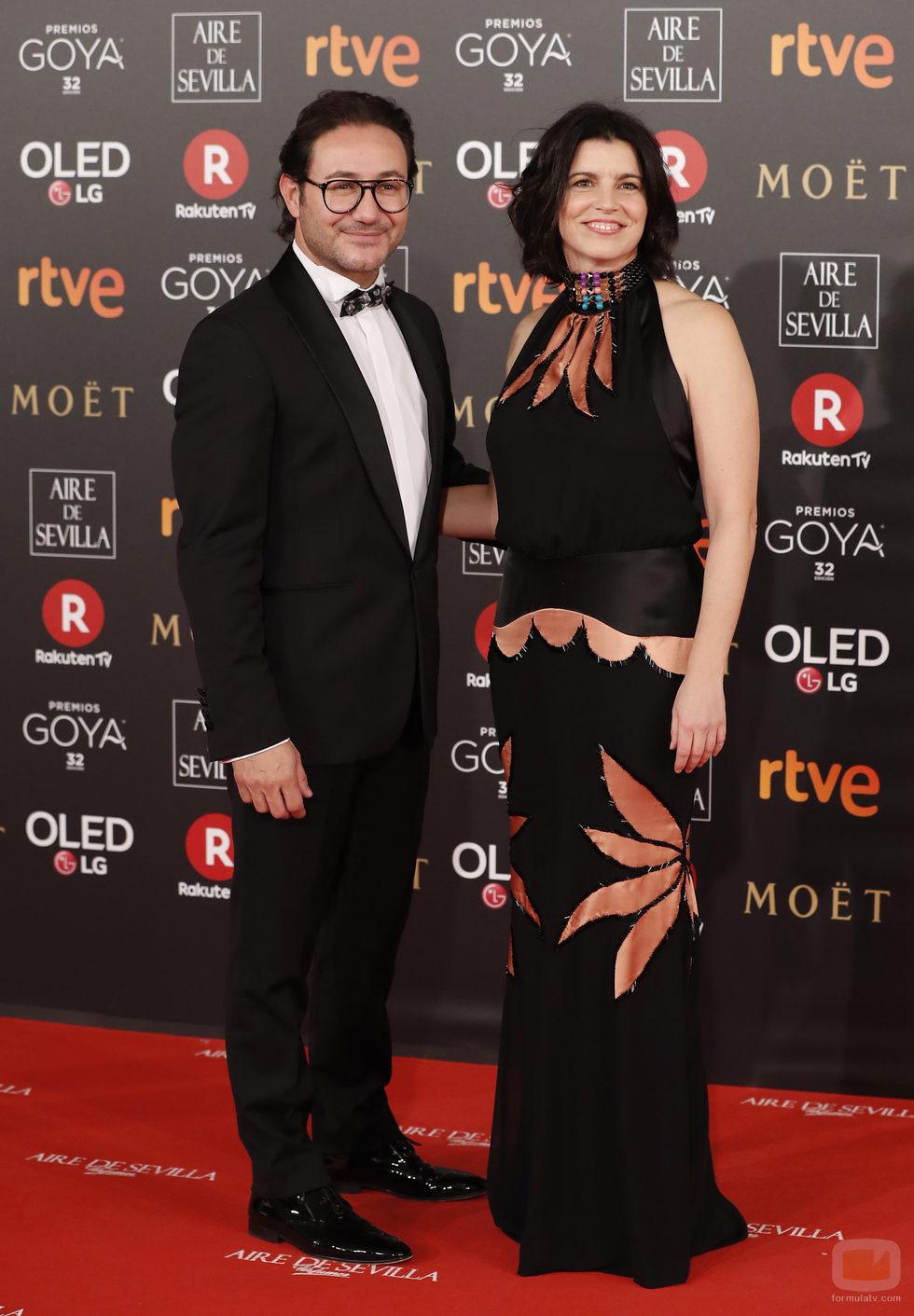 Carlos Santos y Laia Marull en la alfombra roja de los Goya 2018