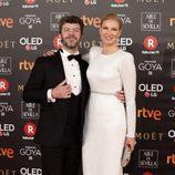Anne Igartiburu y Pablo Heras Casado posan en la alfombra roja de los Premios Goya 2018