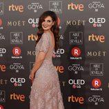 Marta Torné posa en la alfombra roja de los Premios Goya 2018