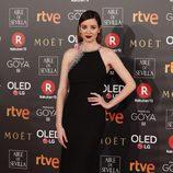 Dafne Fernández posa en la alfombra roja de los Premios Goya 2018