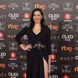María Isasi posa en la alfombra roja de los Premios Goya 2018