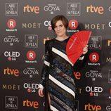 Carla Simón posa en la alfombra roja de los Premios Goya 2018