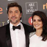 Javier Bardem y Penélope Cruz posan en la alfombra roja de los Premios Goya 2018