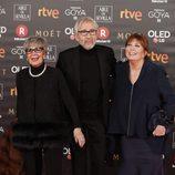 Concha Velasco y José Sacristán posan en la alfombra roja de los Premios Goya 2018