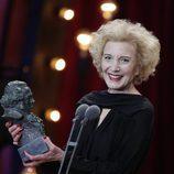 Marisa Paredes posa con el premio Goya de Honor en los Goya 2018