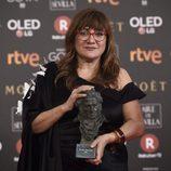 Isabel Coixet posa con el premio a Mejor Dirección en los Goya 2018