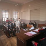 Selim Yasaran y Kerim en un juicio en la segunda temporada de 'Fatmagül'