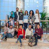 Todos los concursantes de 'Maestros de la costura' posan juntos