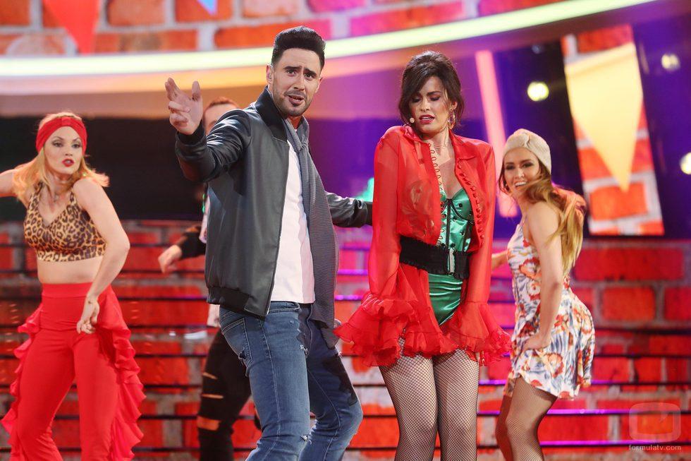 David Amor y Adriana Abenia como Luis Fonsi y Demi Lovato en la gala 17 de 'Tu cara me suena'