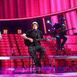 Raúl Pérez imitando a Joaquín Sabina en la gala 17 de 'Tu cara me suena'