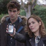 Irene Montalá y Jon Kortajarena en el primer capítulo de 'La verdad'