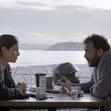 Ana Álvarez y José Luis García Pérez en el primer capítulo de 'La verdad'