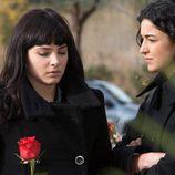 Yoli e Irene de 'Física o Química' acuden al entierro de Isaac