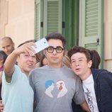 Berto se hace un selfie con algunos seguidores en 'Mira lo que has hecho'