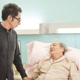 Berto visita en el hospital a Julio en 'Mira lo que has hecho'