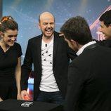Amaia, Alfred y Jandro, durante un truco de magia en 'El Hormiguero'