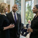 Diane Lockhart, Julius Cain y Liz Lawrence hablando en una escena de 'The Good Fight'