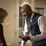 Diane Lockhart y Adrian Boseman hablan en 'The Good Fight'