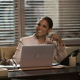 Audra McDonald como Liz Lawrence en una escena de 'The Good Fight'
