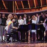 Miquel Fernández repite su actuación como Pablo López con sus compañeros en la gala final de 'Tu cara me suena'