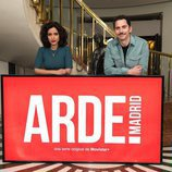 Inma Cuesta y Paco León posan para los medios en la grabación de 'Arde Madrid'