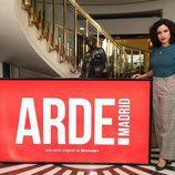 Inma Cuesta posa para los medios caracterizada de Ana Mari, su personaje en 'Arde Madrid'