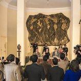 Rodaje de la rueda de prensa de Ava Gardner (Debi Mazar) de 'Arde Madrid'